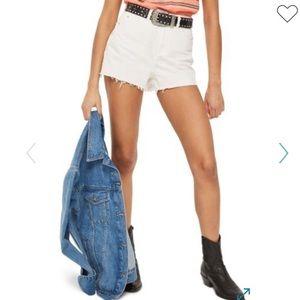 NWT TOPSHOP Cut-Off Denim Mom Shorts